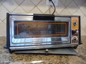 ge toaster oven 300x225 Best Toaster Ovens: Breville 800XL & 650 XL