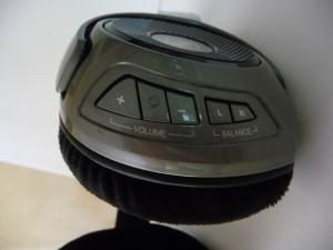 Sennheiser RS 180 Controls P1090638 300x225 The Best Home Wireless Headphones Sennheiser RS 120 & RS 180