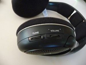 Tune controls P10906263 300x225 The Best Home Wireless Headphones Sennheiser RS 120 & RS 180