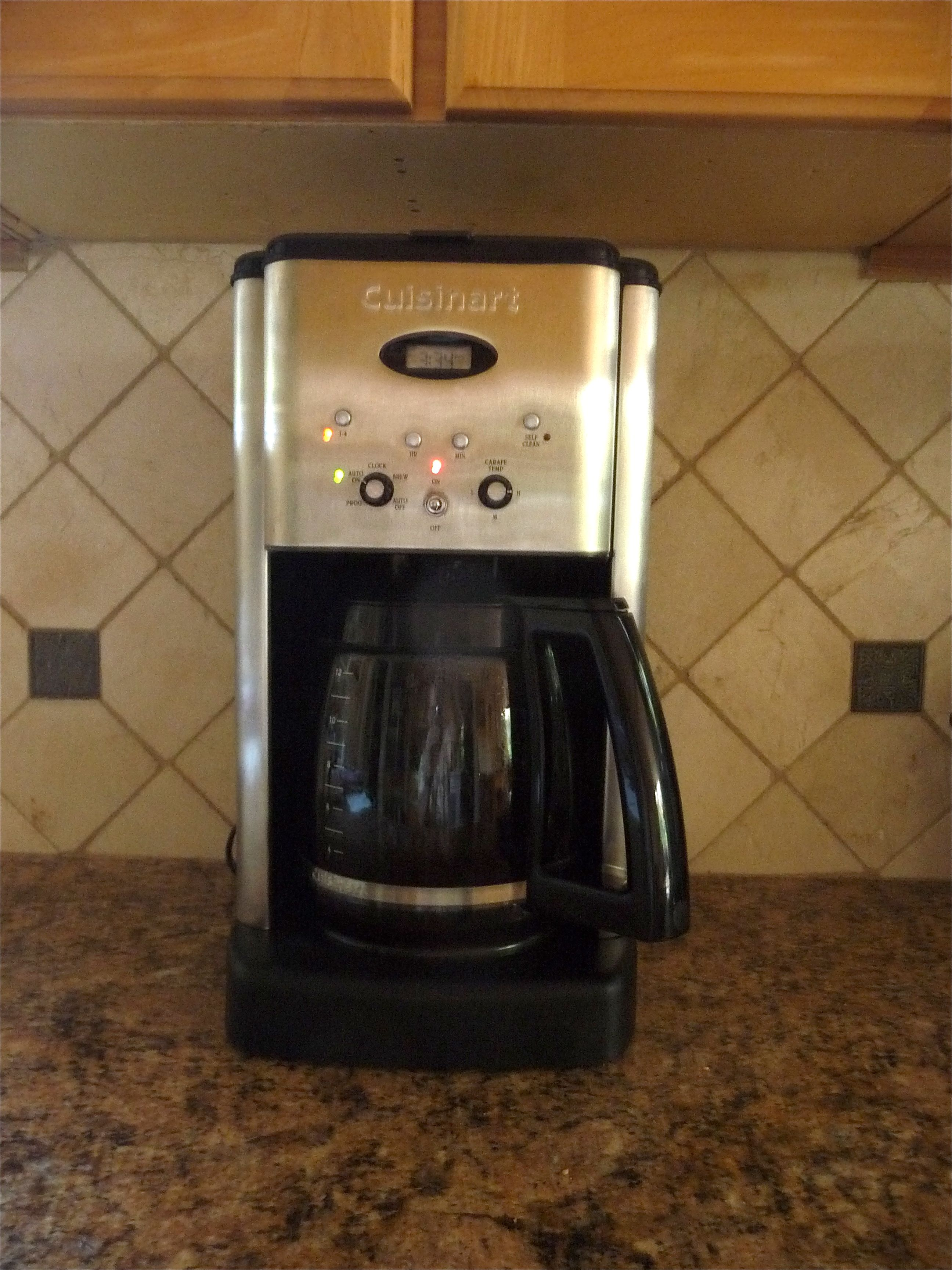 DCC 1200 On Counter Under Cabinet P1090918 En 225x300 The Best Coffee Maker  For Even 2